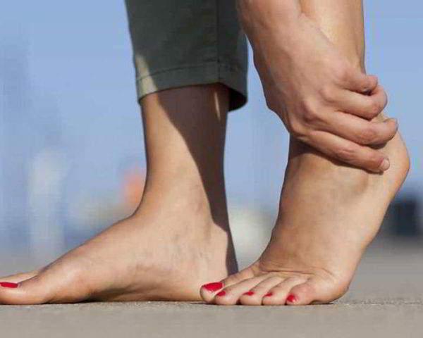 Боли в голеностопном суставе
