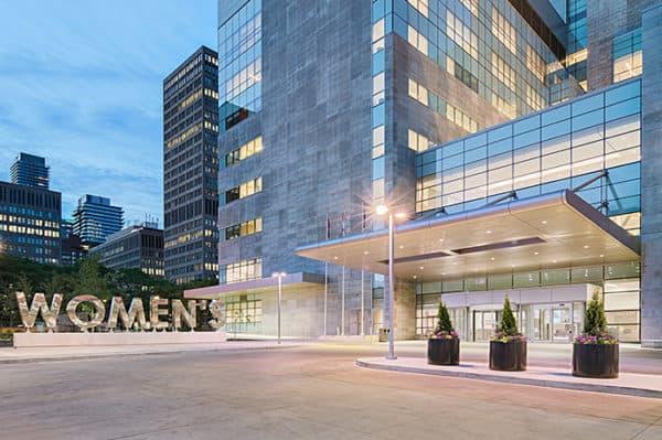 Больница женского колледжа в Торонто - артропластика тазобедренного сустава в Канаде
