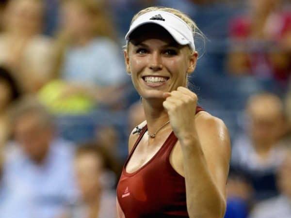 Каролина Возняцки играла в теннис с ревматоидным артритом