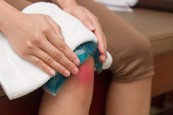 Изображение - Супрапателлярный бурсит коленного сустава лечение holodnyy-kompress-600x400