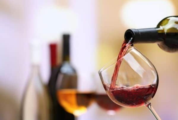 Красное вино помогает при артрозе коленного сустава