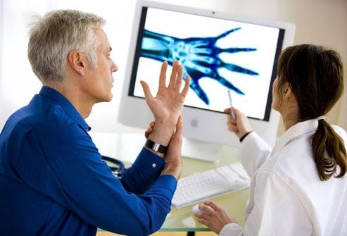 неблагоприятные прогностические факторы при ревматоидном артрите не влияют на тактику лечения