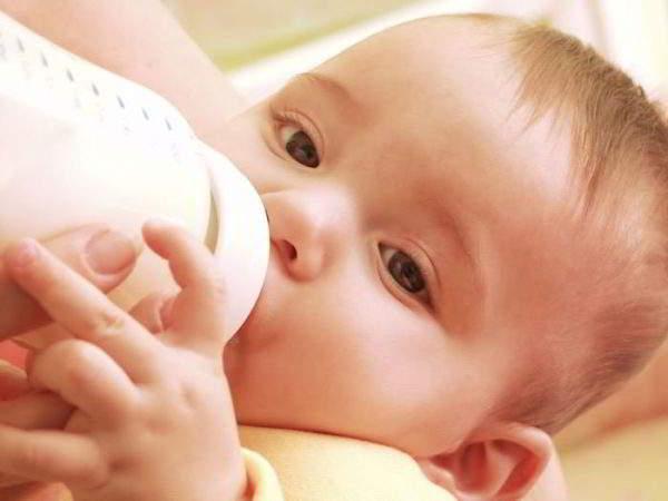 Изображение - Почему у ребенка хрустят суставы 10 лет pitanie-grudnichka-600x450